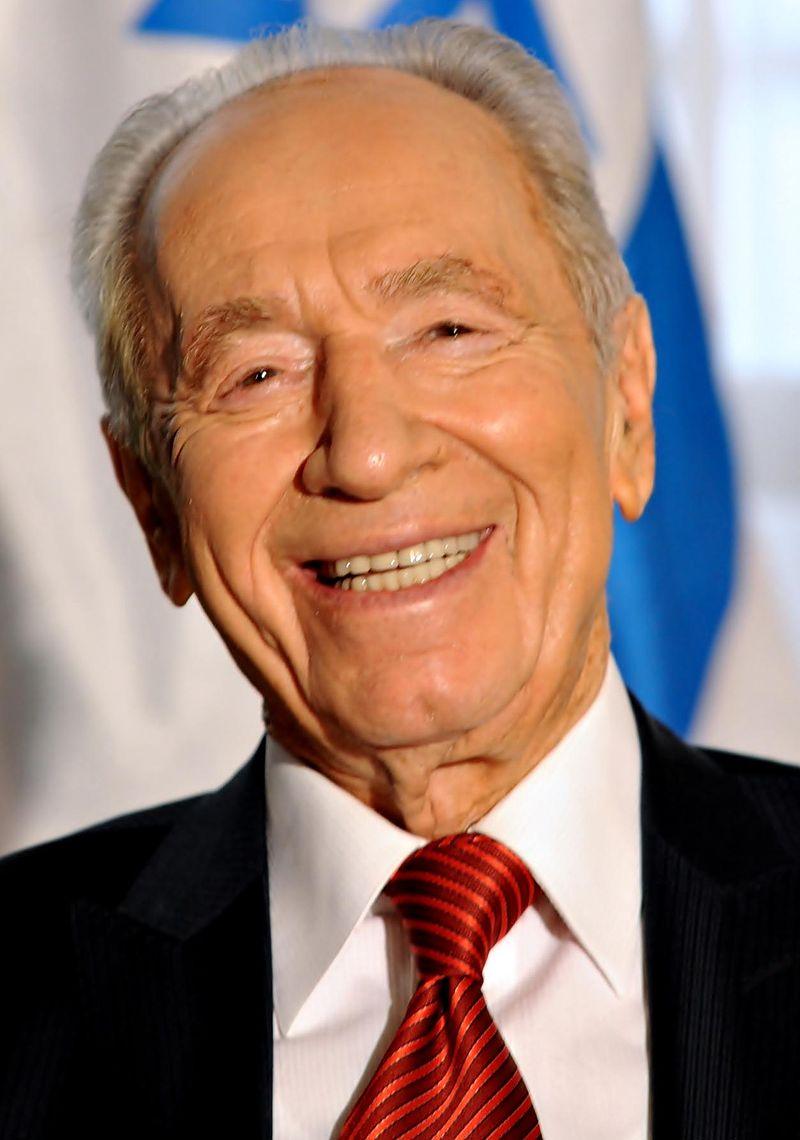 Šimon Peres v roce 2009 při návštěvě Brazílie (Wikipedia)