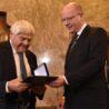Projev předsedy vlády upříležitosti dnešního předání medaile Karla Kramáře panu Jiřímu Bradymu