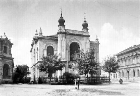 Nová synagoga v Holešově byla vypálena v roce 1941. Nyní chce město její základy znovu odkrýt