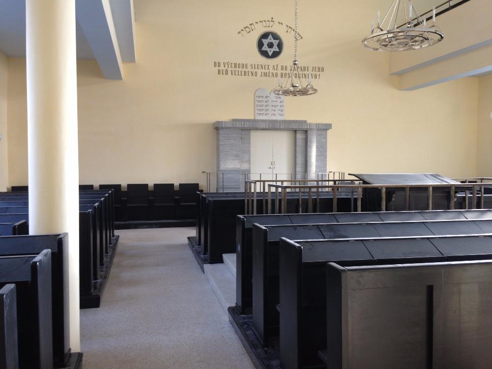 Pohled na interiér opravené synagogy