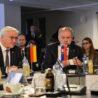 Německý prezident Frank-Walter Steinmeier na státní návštěvě Slovenska. Navštívil isynagogu vŽilině