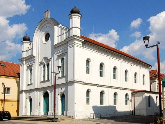 Břeclavská synagoga